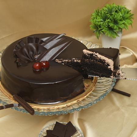 Double Chocolate Fugde Cake